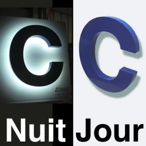 LETTRES  LUMINEUSES EN  RELIEF