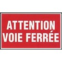 Attention voie ferrée